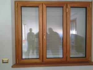 Alluminio legno ciliegio profilo sth eco dgf serramenti for Infissi color legno